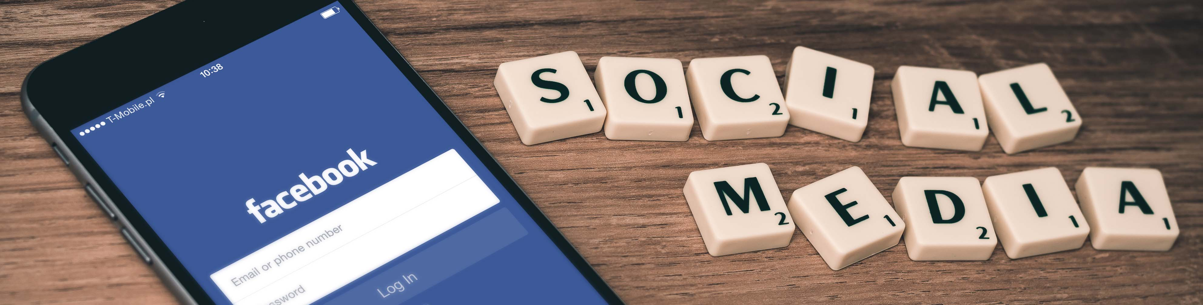 facebook_smartphone_social-media_web_william-iven