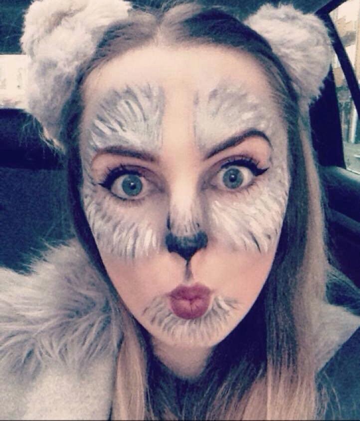 Milena mit Make up als Wolf